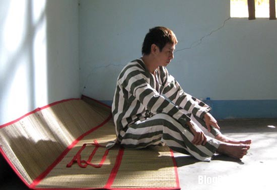 2 Những hình ảnh tù tội của Sao Việt