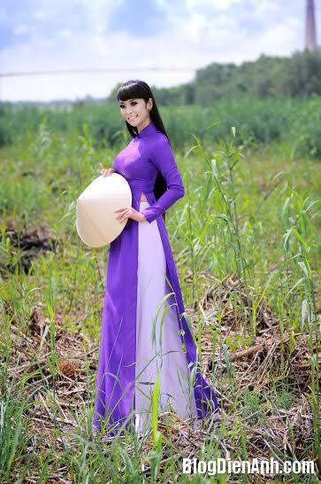 1393924286 lekieunhu 1 Lê Kiều Như khoe vòng eo con kiến