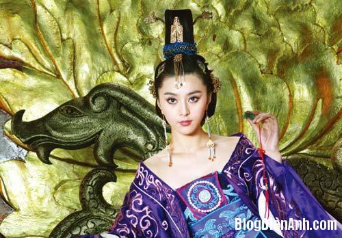 1394524363 bang bang dat ky 3 Những hình ảnh cổ trang quá khêu gợi của Phạm Băng Băng