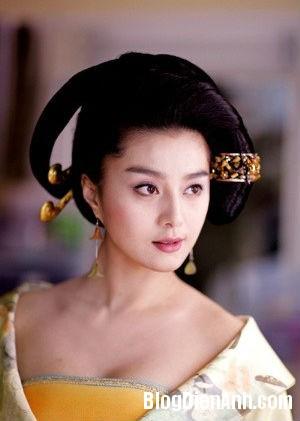 1394525166 bang duong ngoc hoan dai duong phu dung vien  Những hình ảnh cổ trang quá khêu gợi của Phạm Băng Băng