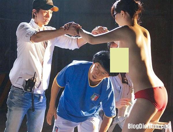 g4 2414 1394768100 Cổ Thiên Lạc bị bao vây bởi dàn diễn viên phim sex Nhật